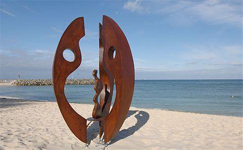 世界最著名海滩雕塑展 陈文令斩获公共艺术大奖图片